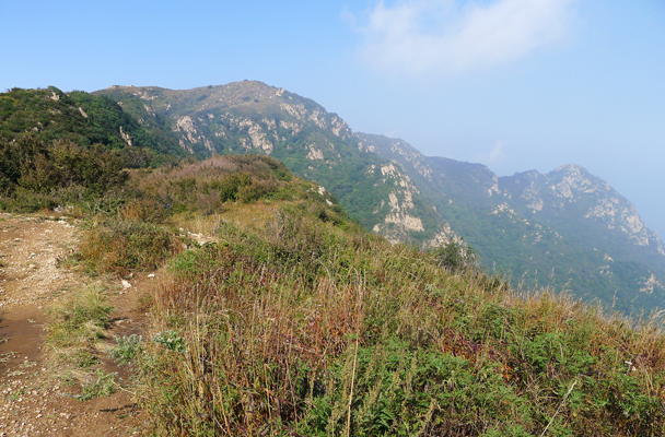 Views of mountains on the way to the top - Yanqing Great Wall and High Tower Challenge, 2016/09/24