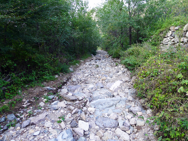 At some point over summer heavy rain had washed out a lot of the track. This used to look like the previous two photos, but now looks more like a river bed - Yanqing Great Wall and High Tower Challenge, 2016/09/24