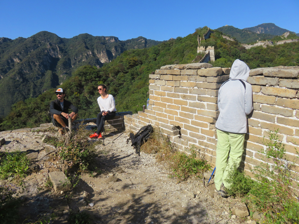 Hikers enjoy the beautiful clear day - Jiankou Big West Great Wall, 2016/9/28