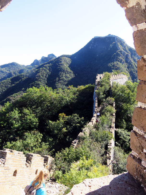 Hikers walk down the last section of wall of the hike - Jiankou Big West Great Wall, 2016/9/28
