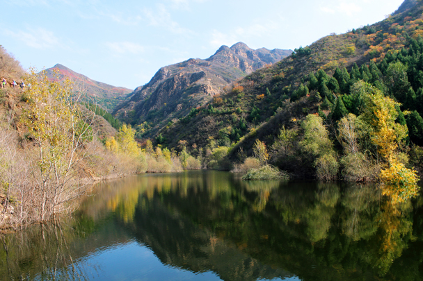 A perfect autumn landscape - can you even believe this is Beijing! - Tomb Raiders Hike, 2016/10/23
