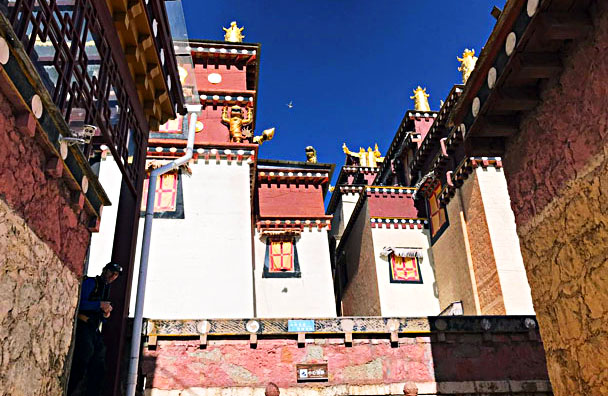 Tibetan-style architecture in the monastery - Lijiang and Shangri-La, Yunnan Province, November 2016