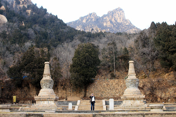 Two stupas - Silver Pagoda Loop hike, 2016/12/04