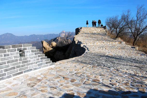 Back in Beijing it was a Red Alert for smog. Much nicer out here - Longquanyu Loop and Great Wall, 2016/12/19
