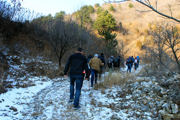 There was snow left in shady areas - Nine Eyes Tower Great Wall, 2016/12/18