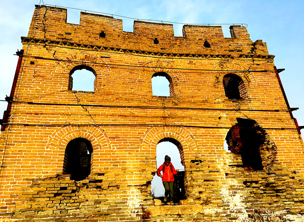 This is 24-Eyes Tower. It used to have six windows on each side, for a total of 24. But now there are only two sides left standing! - Hemp Village to Gubeikou Great Wall, 2016/12/24