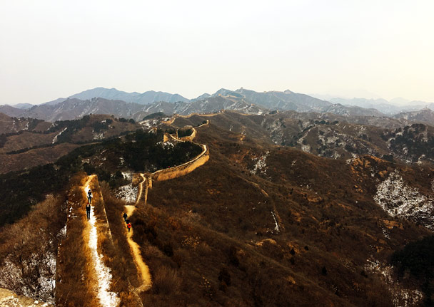 Looking back along the wall - Hemp Village to Gubeikou Great Wall, 2016/12/24