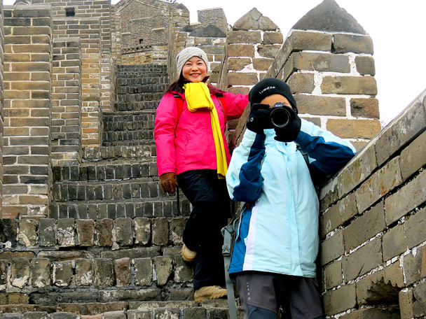 Photo time on the steep steps - Hemp Village to Jinshanling Great Wall, 2016/12/28