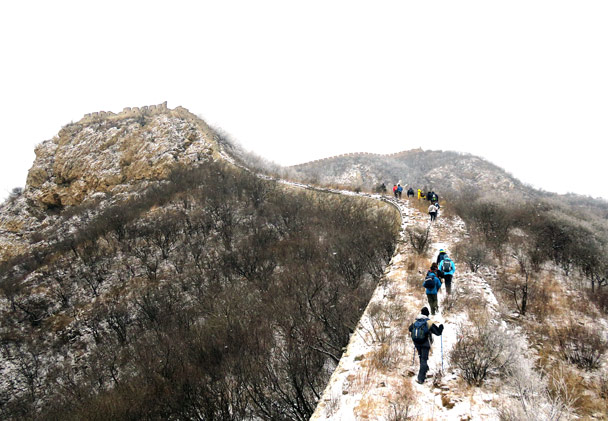 We kept heading up along the wall - Stone Valley Great Wall snow hike, 2017/01/07