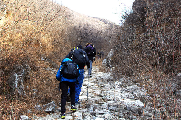 Hiking up the valley at Moyashike -