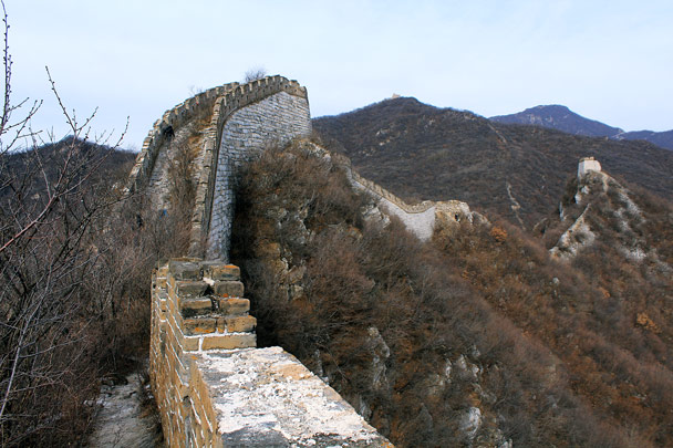 This line of wall leads up to Nine-Eyes Tower, which can just be seen atop the hill in the background -