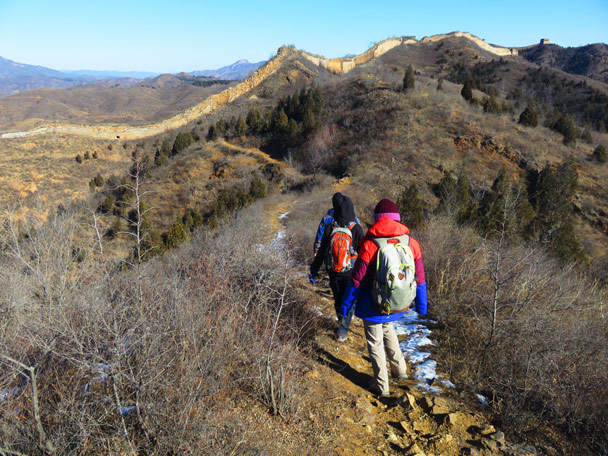 Near the end of an off-wall detour, and getting near the main line of Great Wall at Gubeikou - Gubeikou Great Wall Loop, 2017/1/30