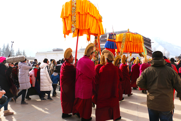 The procession went out of the monastery - Labrang Monastery and Xiahe, Gansu