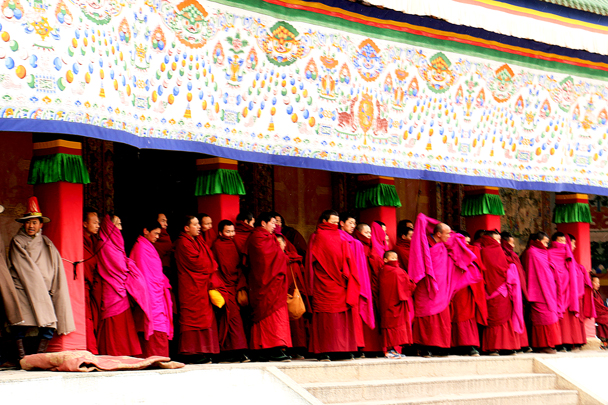 The monks are wrapped up against the cold - Labrang Monastery and Xiahe, Gansu