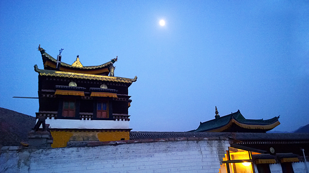 Full moon over the monastery - Labrang Monastery and Xiahe, Gansu