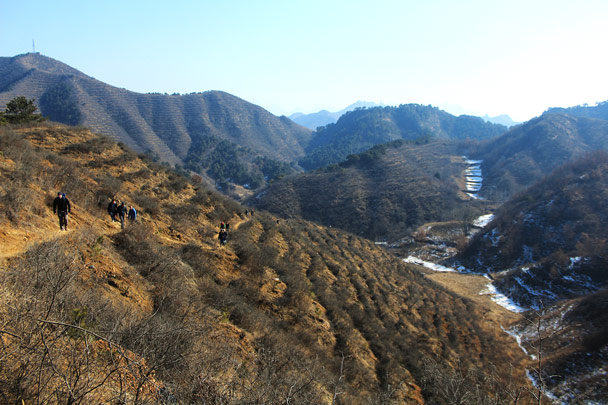 We hiked higher up into the hills - Hemp Village and the Gubeikou Great Wall, 2017/2/18