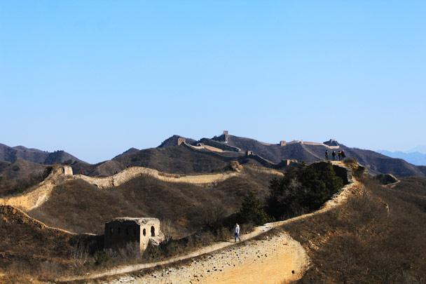In this photo you can see 24-Eyes Tower at the peak in the background - Hemp Village and the Gubeikou Great Wall, 2017/2/18