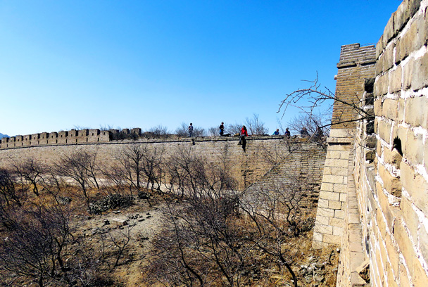 We reached the top section - Walled Village to the Little West Lake, 2017/3/09