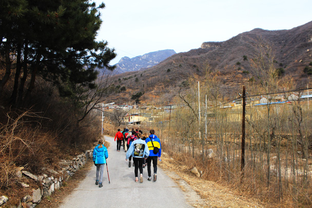 Starting the walk up to the Great Wall - Jiankou Big West Great Wall, 2017/3/11