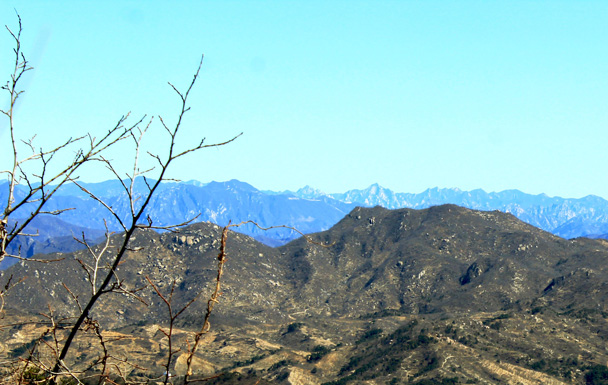 Way off in the distance we spotted the Mutianyu Great Wall, running through the hills in the center of this photo - Longevity Village to the Ming Tombs, 2017/3/12