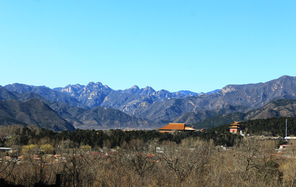 Ding Tomb was visible further off - Longevity Village to the Ming Tombs, 2017/3/12