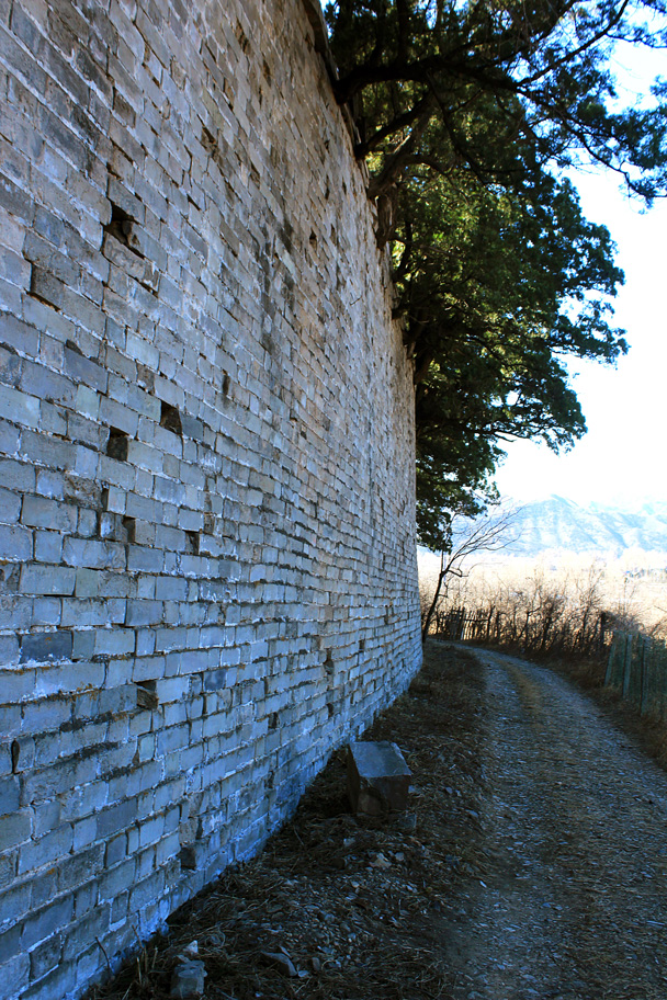 The walls of Yong Tomb - Longevity Village to the Ming Tombs, 2017/3/12