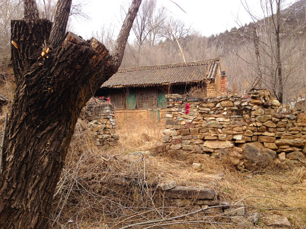 Another one of the old houses - Cypress Wells Canyon and Yongning Town, 2017/4/09