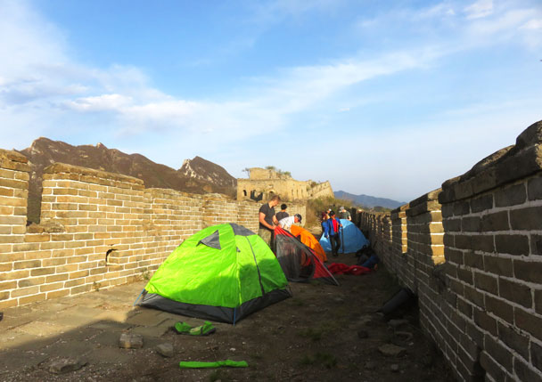 Setting up camp - Camping at the Great Wall Spur, 2017/4/19