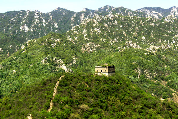 A tower on a nearby spur section - Walled Village to Huanghuacheng Great Wall, 2017/4/22