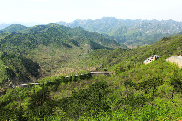 Looking back towards the first peak - Walled Village to Huanghuacheng Great Wall, 2017/4/22