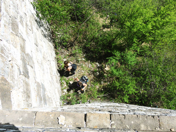 Cleaning up at the foot of the wall - Earth Day clean up hike at the Jiankou Great Wall, 2017/4/23