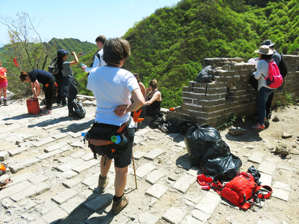 We took a break here before hiking down to the village - Earth Day clean up hike at the Jiankou Great Wall, 2017/4/23