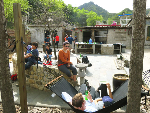 At the Gung Ho! Hut for the pizza - Earth Day clean up hike at the Jiankou Great Wall, 2017/4/23