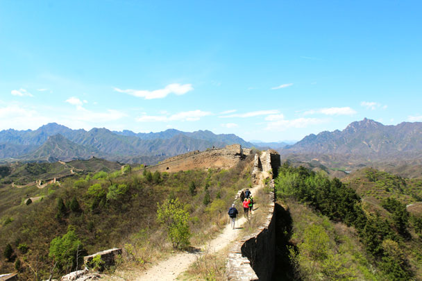 The hike continued on top of the Great Wall - Hemp Village to Gubeikou Great Wall, 2017/4/23