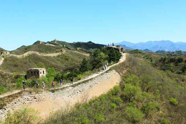 You can just see 24-Eyes Tower in the background of this photo. It looks far away! - Hemp Village to Gubeikou Great Wall, 2017/4/23