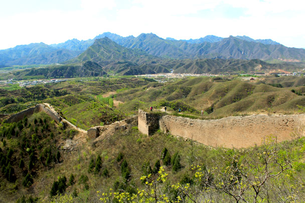 We hiked further down the wall - Hemp Village to Gubeikou Great Wall, 2017/4/23
