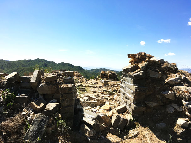 A ruined arch, which was still standing a month or two ago - Switchback Great Wall Camping Trip, 2017/05/15