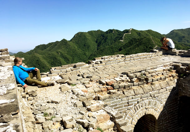 After setting up the camp we had time to relax in the sun - Switchback Great Wall Camping Trip, 2017/05/15