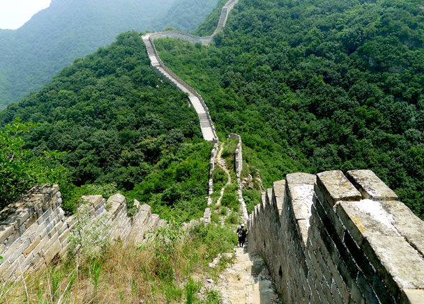 At this dip we'd be on to a newly repaired part of the Great Wall here - Switchback Great Wall, 2017/4/6