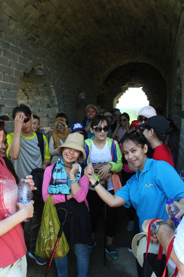 Everybody was able to squeeze in - Teambuilding for Merck with Great Wall hike and treasure hunt, 2017/7/7
