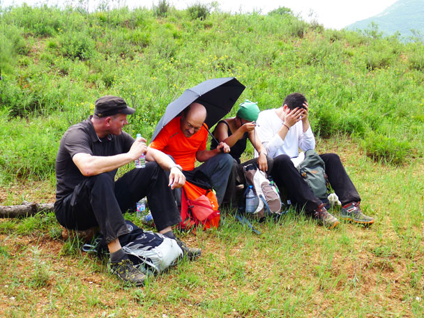We took a break for lunch on a hill above the village - Shuitou Village Loop hike, 2017/7/15