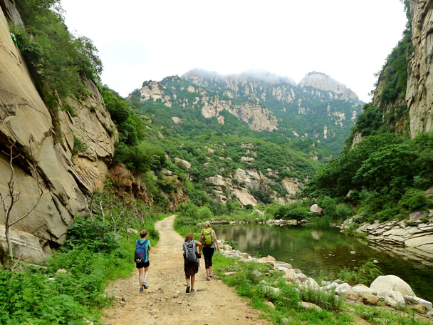 We walked back out to finish the hike - Yunmeng Gorge Swim and Explore, 2017/7/23