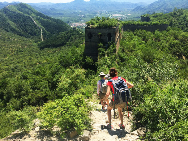 Hiking down a slippery section - Walled Village to Huanghuacheng Great Wall Hike, 2017/08/06