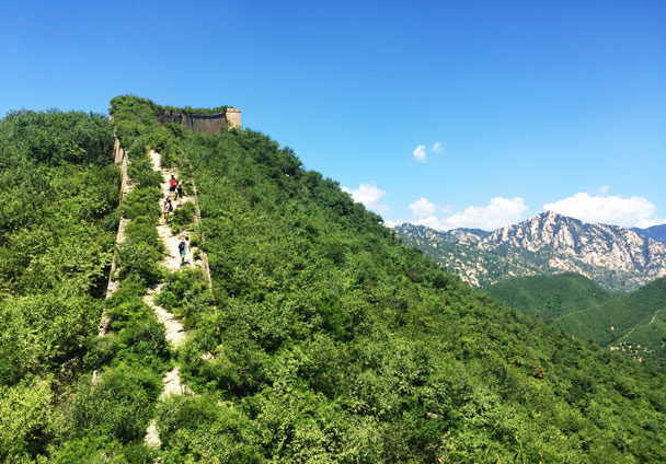 Coming down from a steep section - Walled Village to Huanghuacheng Great Wall Hike, 2017/08/06