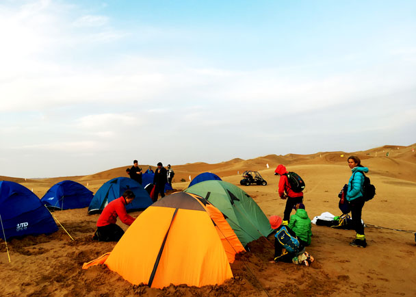 Getting the campsite set up - Alashan Desert Lakes and Temple, Inner Mongolia, 2017/10