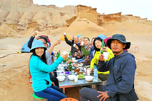 Cheers! - Along the Silk Road from Korla to Kashgar, October 2017