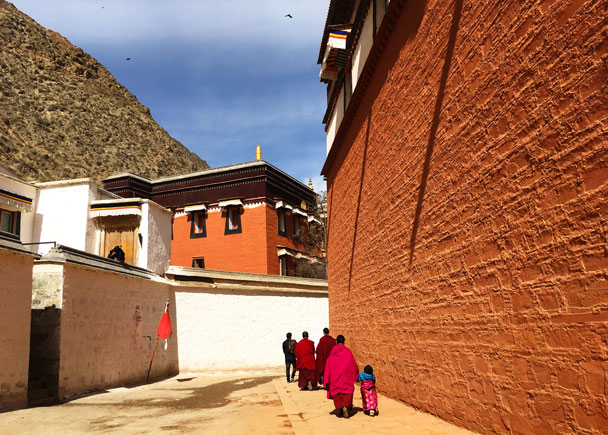 In the town, we did a clockwise kora following the monks and pilgrims - Unveiling the Buddha at Labrang Monastery, 2018/02