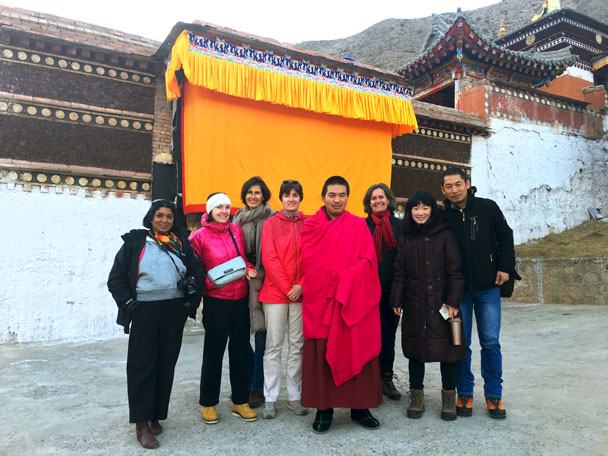 A group shot with our guide at Deerlong Monastery - Unveiling the Buddha at Labrang Monastery, 2018/02