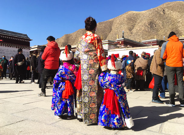 Even the kids were dressed up - Unveiling the Buddha at Labrang Monastery, 2018/02