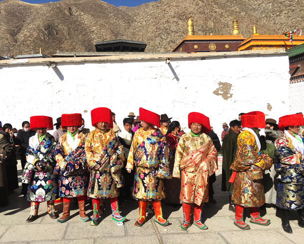 The Red Hats were in charge of security - Unveiling the Buddha at Labrang Monastery, 2018/02